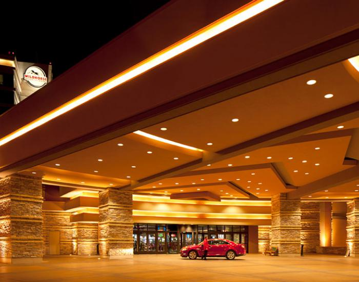 Wildhorse resort casino cineplex