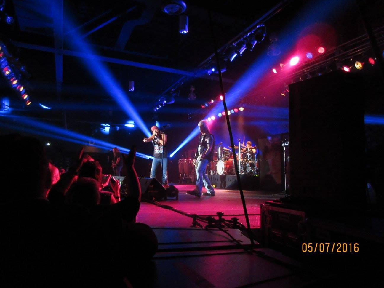 prairie knights casino concerts
